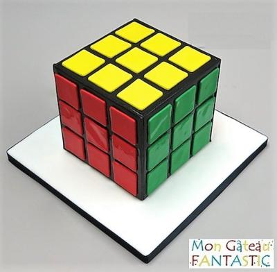 gateau d 39 anniversaire personnalis rubik 39 s cube. Black Bedroom Furniture Sets. Home Design Ideas