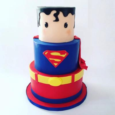 Gâteau Superman à partir de  10-15 parts